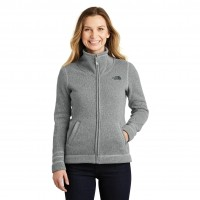 The North Face Ladies Sweater Fleece Jacket (NF0A3LH8)
